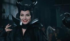 Maleficent-Angelina-Jolie-e-sublime-ma-Pregi-e-difetti-del-film_h_partb