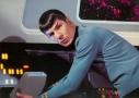 star-trek-spock-leonard-nimoy-530x378
